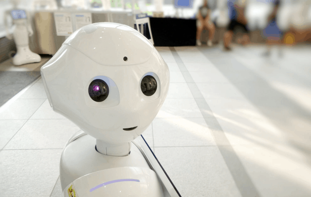a robot assistant with artificial intelligence